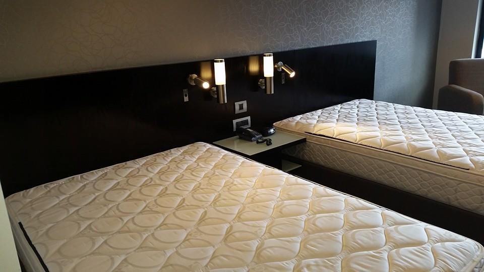 Bed Head lighting